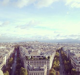 Explore Paris with On's insider running maps.